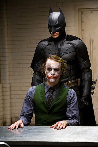 """""""Why So Serious? I'm an agent of chaos"""" 映画『ダークナイト』ネタバレ感想"""